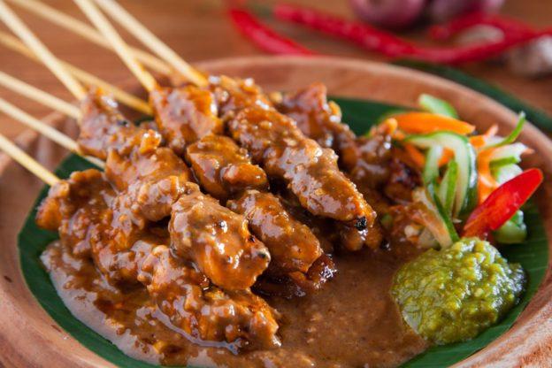 Mari Mengenal Masakan Khas Indonesia